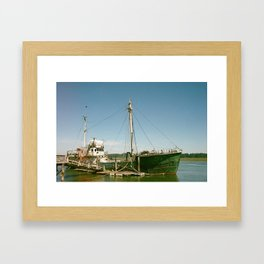 Pirate ships come sailing in Framed Art Print