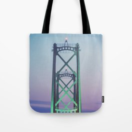 Symmetry of the Span Tote Bag