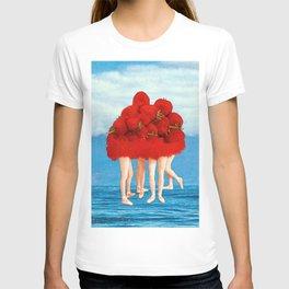 Strawberries dancers of the Sea T-shirt