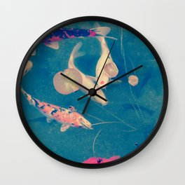 Lie a fish in the pound Wall Clock