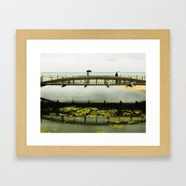 El puente Framed Art Print