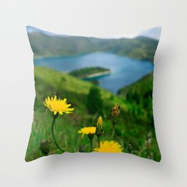 Fogo crater Throw Pillow