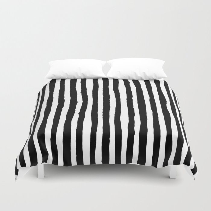 Black and White Vertical Stripes Bettbezug