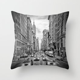NEW YORK CITY 5th Avenue Traffic | Monochrome Throw Pillow