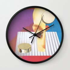 Reality Features Wall Clock