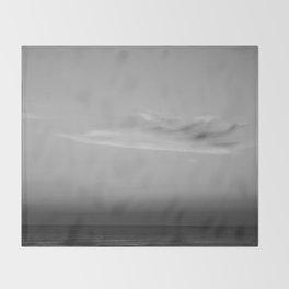 Jersey shore line Throw Blanket