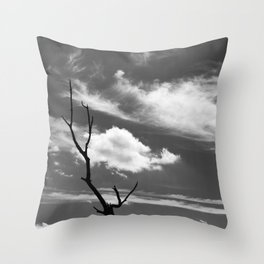 Black and white dead tree and sky with wispy clouds Throw Pillow