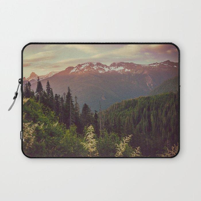 Mountain Sunset Bliss - Nature Photography Laptop Sleeve