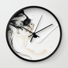 L QQ K Wall Clock