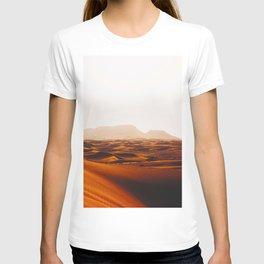 Minimalist Desert Landscape Sand Dunes With Distant Mountains T-shirt