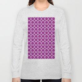 Moroccan geometrical magenta white quatrefoil pattern Long Sleeve T-shirt