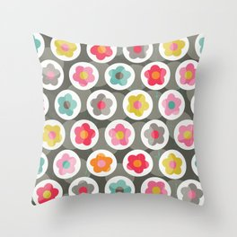 LAZY DAISY PATTERN Throw Pillow