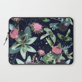 Fashion textile floral vector pattern with clover and field flowers Laptop Sleeve