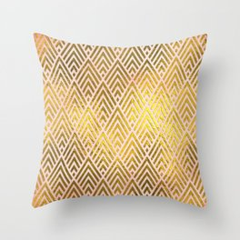 Gold foil triangles on pink - Elegant and luxury triangle pattern Throw Pillow