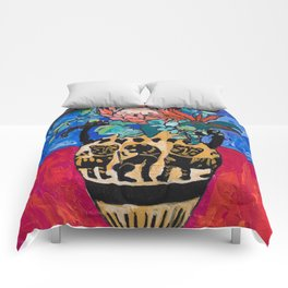 Lions and Tigers Vase with Protea Bouquet Comforters