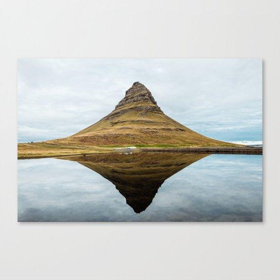 Mountain reflect Canvas Print