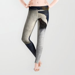 The Shy Swan Art Leggings