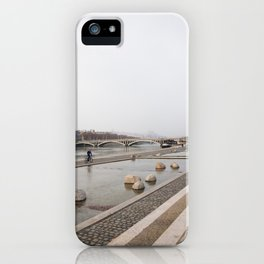 Un matin d'hiver iPhone Case