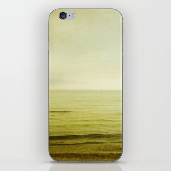 I can feel the distance getting close iPhone & iPod Skin
