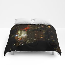 Wrigley Building in Bright Red and Green (Chicago Christmas/Holiday Collection) Comforters