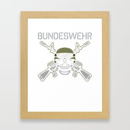 DE Army Weapon Soldier Poison T-Shirt Framed Art Print