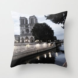 the hunchback of notre dame - seine Throw Pillow