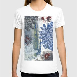 blue & black dahlia: linoprint T-shirt