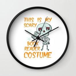 Lustiges Skelett Bücherwurm Kostüm Design für Halloween design Wall Clock