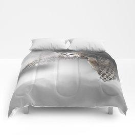 flying owl (tyto alba) Comforters