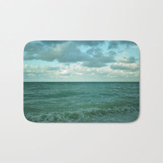 cielo vs mare Bath Mat