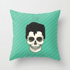 The King is dead Throw Pillow