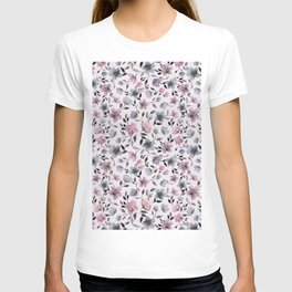 Watercolor floral pattern n.4 on pale pink T-shirt