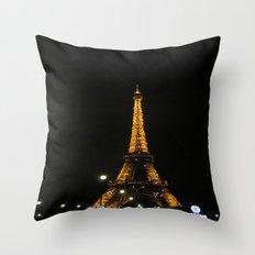 tour eiffel Throw Pillow