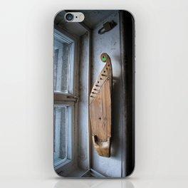 A Karelian 10-string Kantele iPhone Skin