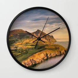 Garn Fôr Wall Clock