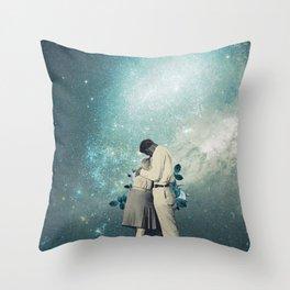 24916 Throw Pillow