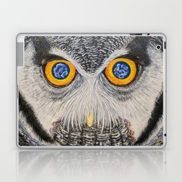 Dreaming of freedom - owl eyes Laptop & iPad Skin