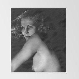 Nude vintage girl Throw Blanket