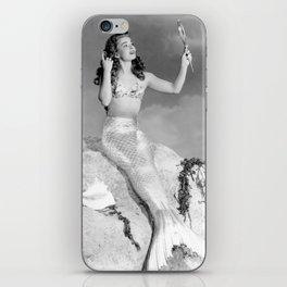 Vintage Mermaid : Mr Peabody & The Mermaid iPhone Skin