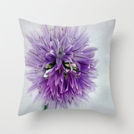 chives bloom Throw Pillow