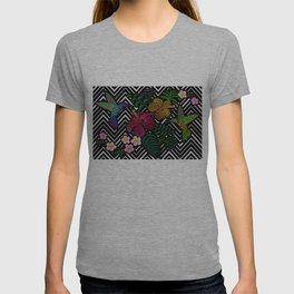 Hummingbird around flower plumeria hibiscus Frangipani exotic  Embroidery T-shirt