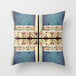 Pattern & colore Throw Pillow