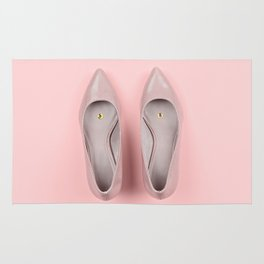 Pair of classic women's beige shoes with pushpin Rug