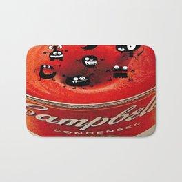 Le bonheur est dans la soupe Campbell's - Happiness is in the Campbell's soup Bath Mat