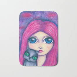 Big eyes girl with pink hair and her cat compangnon Bath Mat