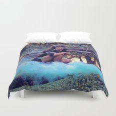 From the majesty she rises Duvet Cover