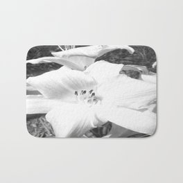 Hibiscus - Flower art by Saribelle Rodriguez Bath Mat