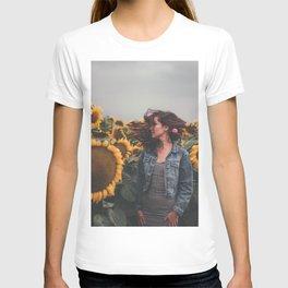 Flower Photography by Gustavo Bautista Reyes T-shirt