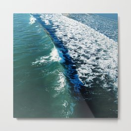 Curved Wave Metal Print
