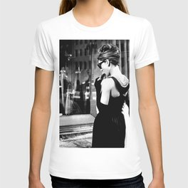 Audrey Hepburn in Black Gown, Jewelry, Vintage Black and White Art T-shirt
